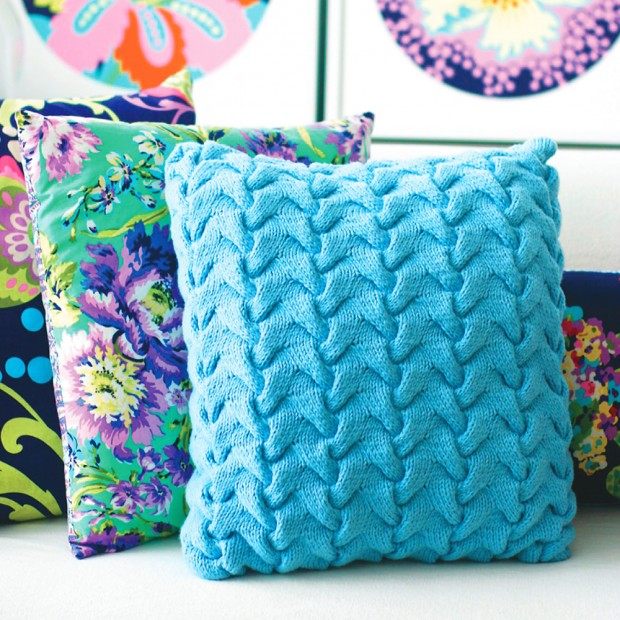 Free Knitting Patterns For Cushions In Cable Knit : Update A Sofa With A Funky Cable Cushion Knitting Pattern